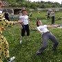 Лимбо, танец под лианой (веревкой, скакалкой)